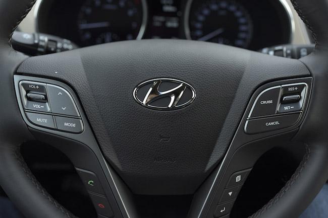 giá-xe-Hyundai- SantaFe -2016-hkdv - 18