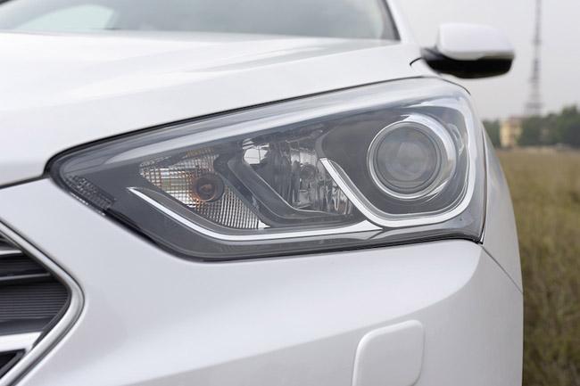 giá-xe-Hyundai- SantaFe -2016-hkdv - 20