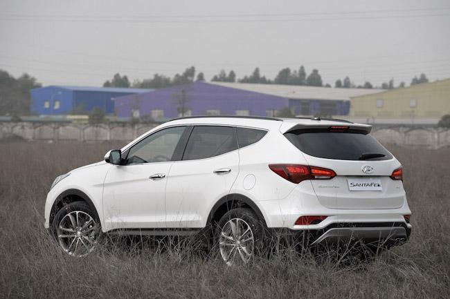 giá-xe-Hyundai- SantaFe -2016-hkdv - 8